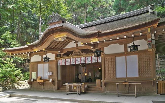 狭井神社で病気平癒